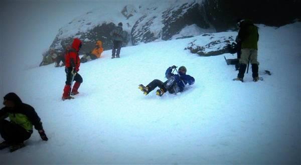 やってみたい滑落停止|雪山講習...